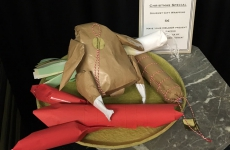 Christmas Special! On the Menu: Gourmet Gift Wrapping
