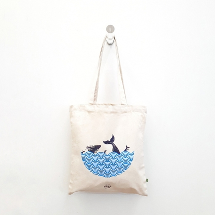 'WHALES IN OCEAN' ORGANIC COTTON TOTE BAG