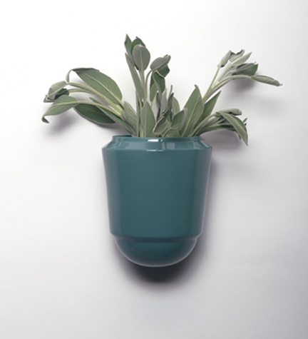 'LITTLE BABYLON' WALL POT