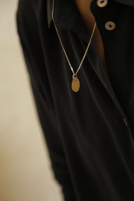 NECKLACE WITH BRASS 'OVAL' PENDANT